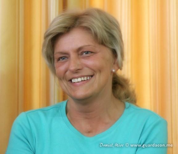 Guarda Con Me - Mirjana risponde ai pellegrini a Medjugorje